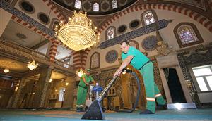 Camiler Bayram Namazına Hazırlanıyor